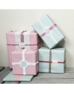 "Gift Wrapping with Decorations from Vivi Gade ""Skagen"" Design"