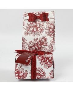 Gift Wrapping with Decorations and Paper from Vivi Gade Design