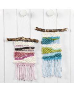 A woven Wall Hanging with Acrylic Manga XL Yarn