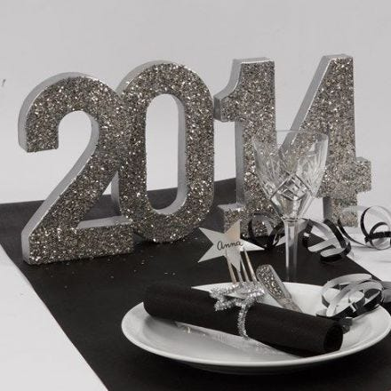 Glittering Decorations for the New Year's Table
