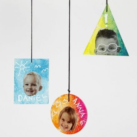 Glass Plate hanging Decorations decorated with Prints, Text and Graphics