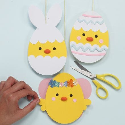 Decorated Card Easter Chicks with Silk Clay