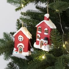 Papier-mâché Christmas houses for hanging decorated with Foam Clay