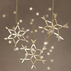 Straw snowflakes for hanging