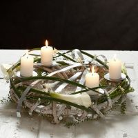 A natural Wreath for Pillar Candles with flat Bonsai Wire