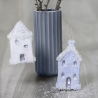 Hanging Christmas houses decorated with Sticky Base and glitter