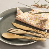 Brand patterns on bamboo cutlery