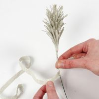 How to make pampas grass or spruce tips from crepe paper